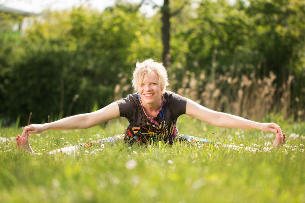 Irene-Vos-Yoga-docente-1024x682